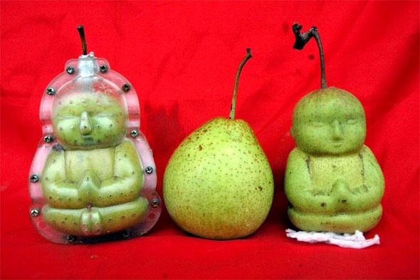 [Image: buddha-pears.jpg]